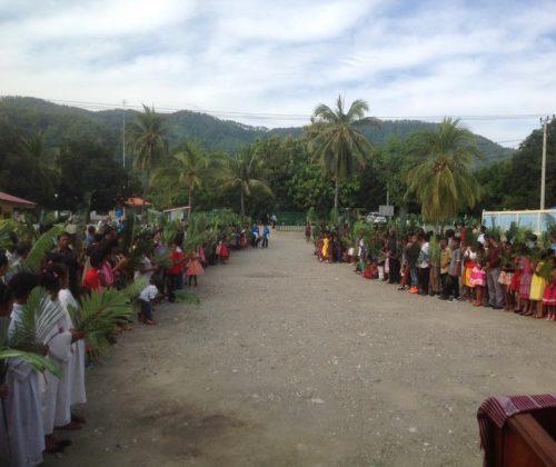 Dili – Domenica delle Palme a Timor Leste parrocchia di Metinaro villaggio della diocesi di Dili (copy)